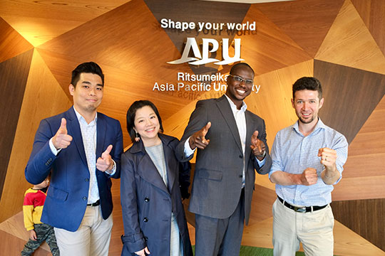 Global Alumni Lecture Program - Alumni Return to Share their Japanese Working Experiences